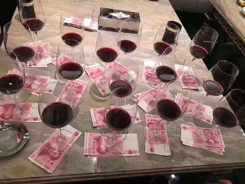 上海大堂夜场招聘服务员包吃住年底双薪